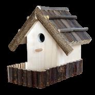 Къща за птици с ограда